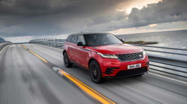 Range Rover Velar - front tracking