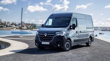 2019 Renault Master front quarter