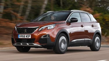 peugeot 3008 tracking front