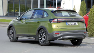 Volkswagen Taigo - side