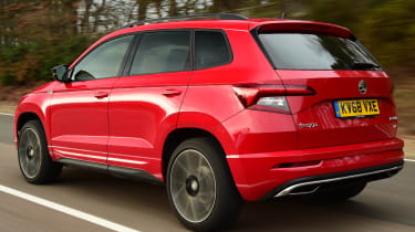 skoda karoq sportline tracking rear quarter