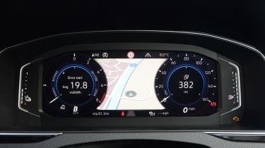 Volkswagen Passat GTE Virtual Cockpit