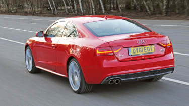 Audi A5 2.0 TFSI Coupe rear tracking