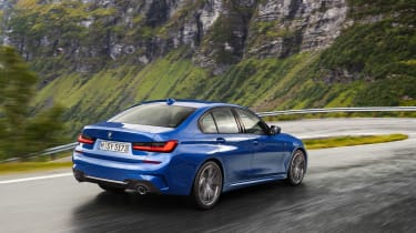 BMW 3 Series - blue rear tracking