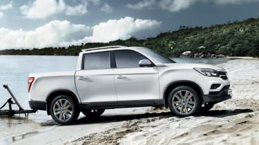 SsangYong Musso - side static