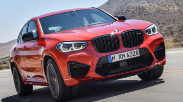 BMW X4M - front tracking