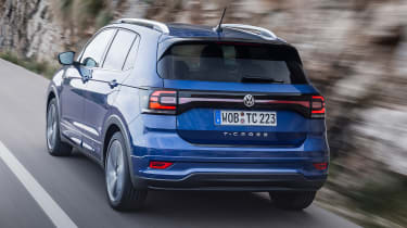 Volkswagen T-Cross - rear tracking