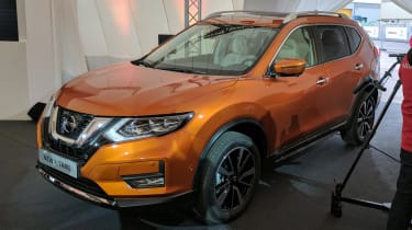 Nissan X-Trail - front/above reveal
