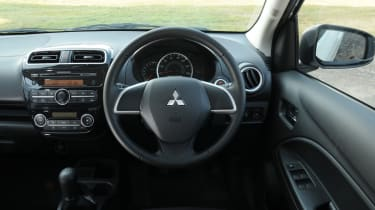 Mitsubishi Mirage 1.2 3 interior