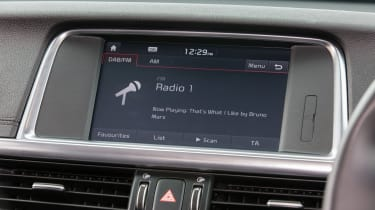 Kia Optima Sportswagon PHEV - infotainment