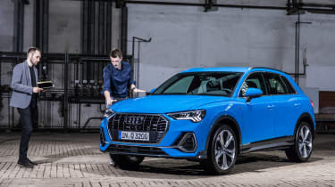 Audi Q3 - Johnny Burn