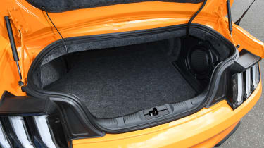 Ford Mustang Convertible - boot