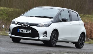 Toyota Yaris Design Bi-Tone 2016 - crop