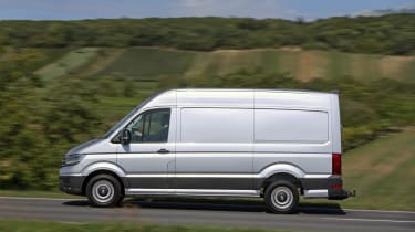 VW Crafter 4motion - side
