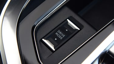 New Peugeot 3008 facelift 2020 switch