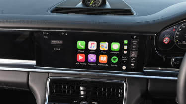 Porsche Panamera 4 E-Hybrid - Apple CarPlay