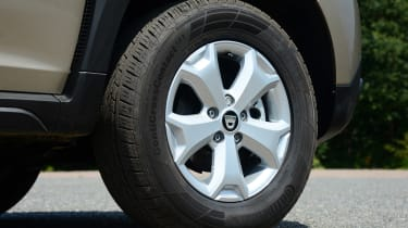 Dacia Duster - wheel