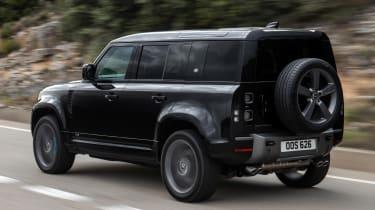Land Rover Defender V8 - rear