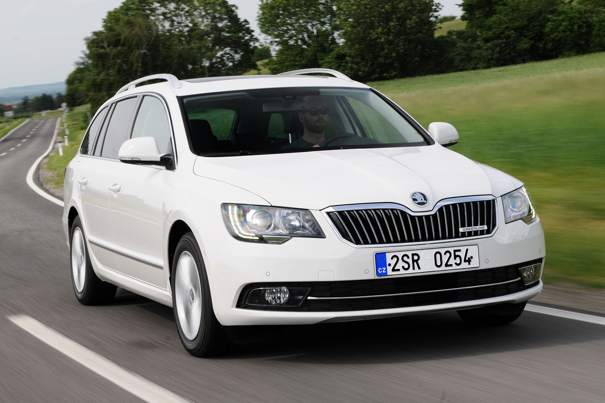 Skoda Superb Estate 2010 2015 Review Auto Express