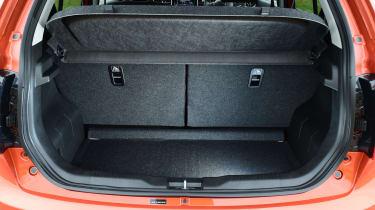 Suzuki Ignis 2016 - boot