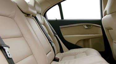 Volvo S80 V8 backseat