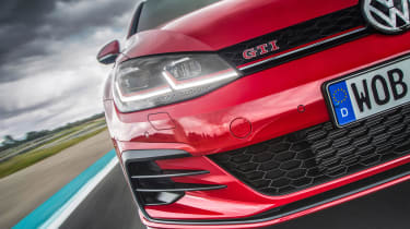 Volkswagen Golf GTI Performance Pack 2017 detail
