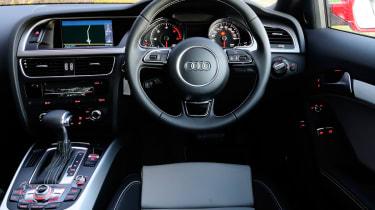 Audi A5 3.0 TDI Coupe dash