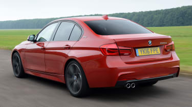 BMW 330e 2016 - rear tracking