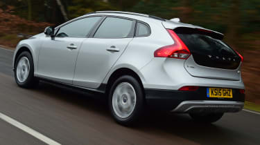 Volvo V40 Cross Country road test - rear tracking