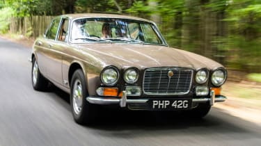Jaguar XJ6 S1 front
