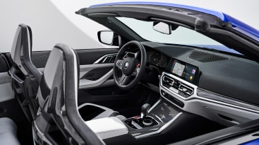 BMW M4 Competition Convertible - dash