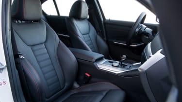 BMW 320d - front seats