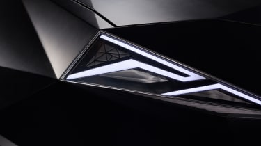 Karlmann King SUV - headlight