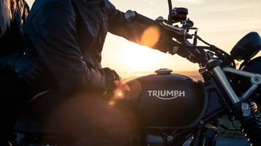 Triumph Street Scrambler review - fuel tank side