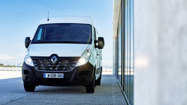 Renault Master Z.E - front static