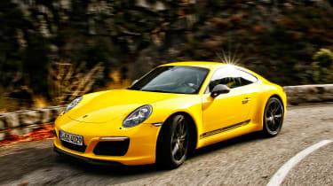 Porsche 911 Carrera T - front cornering