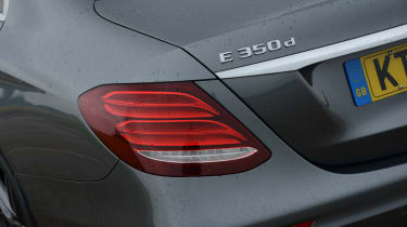Mercedes E 350d 2016 - rear light
