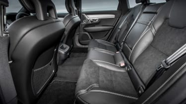 Volvo V90 R-Design 2017 - rear seats