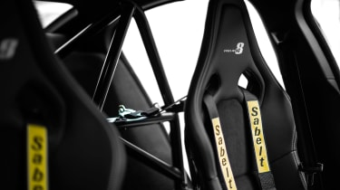 Jaguar XE SV Project 8 - seats