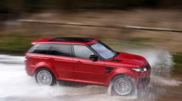 Range Rover Sport SVR - splash