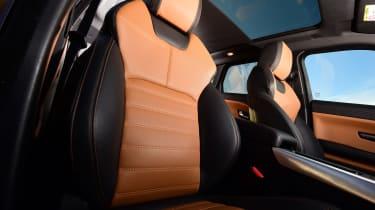 Range Rover Evoque SD4 - front seats