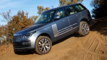 New Range Rover PHEV 2017 review - hill descent