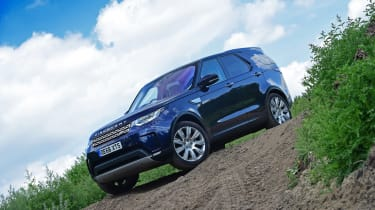 Land Rover Discovery TD6 - front static