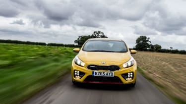Kia Pro_cee'd GT 2015 - front tracking