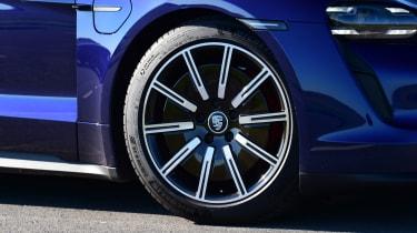 Porsche Taycan 4S - wheel