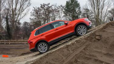 Volkswagen Tiguan 2016 - side 2