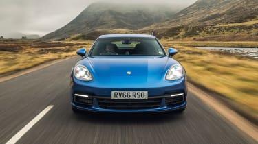 Porsche Panamera 4S diesel - front end tracking