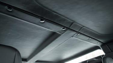 Land Rover Defender Works V8 - roof