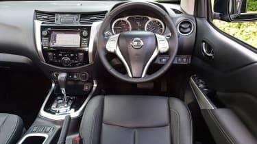 Nissan Navara Trek-1° 2017 interior