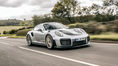 Porsche 911 GT2 RS - front action